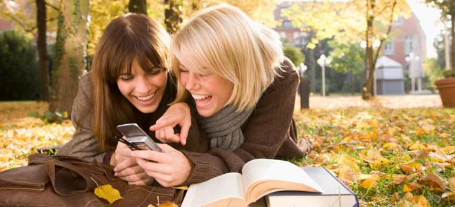 Las mujeres hablamos más que los hombres: ¿verdad o mito?