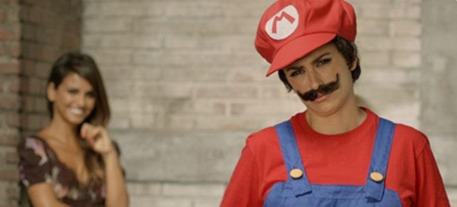 El vídeo de Penélope Cruz y su hermana Mónica Cruz en Super Mario Bros