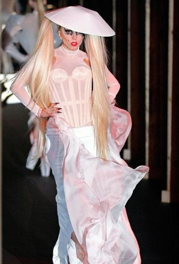 Lady Gaga podría estar embarazada y a punto de casarse con Taylor Kinney