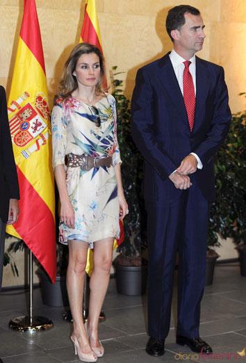 El Príncipe Felipe tiene más estilo que Letizia. Los famosos mejor vestidos