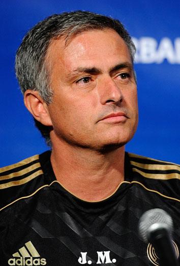 Mourinho, antes que Mario Casas para una noche loca. Nos ponen los malotes
