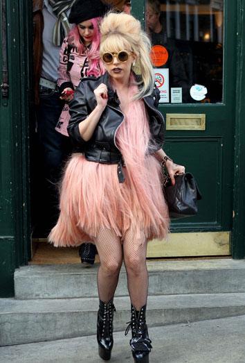 Lady Gaga y su progresivo deterioro: 13 kilos de más y vuelta a las drogas