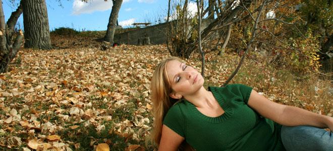 Protege tu piel del sol también en otoño