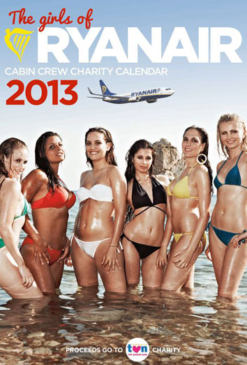 Las azafatas de Ryanair, desnudas en un calendario: sus polémicas 'low cost'