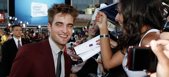 Robert Pattinson con sus fans
