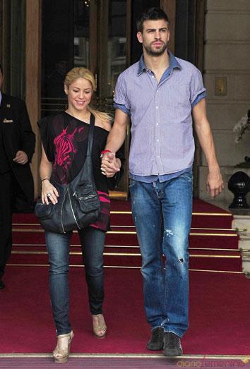 Piqué y Shakira, felices futuros padres