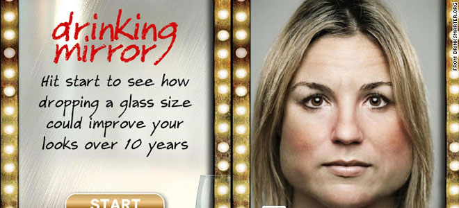 Así será tu cara dentro de 10 años. drinking mirror