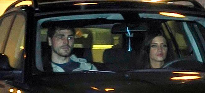 Iker Casillas regala a Sara Carbonero un coche.