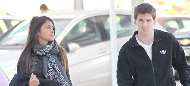 Leo Messi y Antonella Roccuzzo se escapan a París.