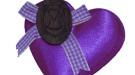Pulseras y broches para el Día de los Enamorados