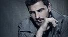 Iker Casillas, un chico de moda en la revista 'FHM'