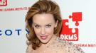 Kylie Minogue, Halle Berry y Eva Mendes, unidas contra la Leucemia