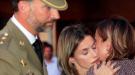 Felipe y Letizia, de la gran boda griega a la trágica despedida de los guardias civiles