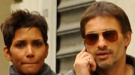 Halle Berry y Olivier Martinez dan rienda suelta a su amor en París