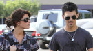 Joe Jonas y Ashley Greene, agarrados de la mano y presumiendo de amor