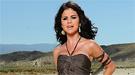 Selena Gomez dona su vestido más sexy para los niños