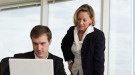 Techo de cristal: barreras al desarrollo profesional femenino