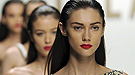 Armani, Versace y Valentino suben a los escenarios