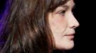 Carla Bruni reaparece por sorpresa en los escenarios en el peor momento de su marido, Nicolas Sarkozy