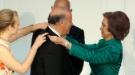 Vicente del Bosque recibe una medalla de oro de manos de la Reina Sofia
