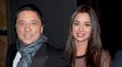 Carlos Bardem y Dafne Fernández, cálido reencuentro en el estreno de 'Entrelobos'