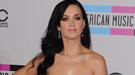 Katy Perry brilla con 150 cristales de Swarovsky rojo pasión en sus labios