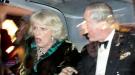 Carlos de Inglaterra y Camilla Parker son atacados por estudiantes británicos