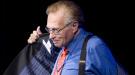 Larry King se despide por todo lo alto y deja paso al mito
