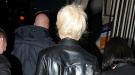 Lady Gaga sale a la calle desnuda para realizar sus compras navideñas