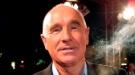 El marido de Zsa Zsa Gabor ingresado tras confundir el pintauñas con las gotas para los ojos