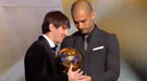 Leo Messi, FIFA Balón de Oro 2010, vence a Andrés Iniesta y Xavi
