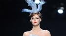 Christian Dior presenta su colección para el verano 2011 ante la atenta mirada de Almodóvar