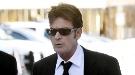 Las juergas de Charlie Sheen salen caras a 'Dos hombres y medio'