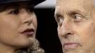 Michael Douglas y Catherine Zeta Jones desafían al frío en la Super Bowl 2011