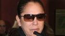 Isabel Pantoja, rota de dolor en el funeral de Florinda Chico
