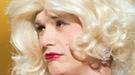 James Franco sorprende en los Oscar 2011 con un vestido palabra de honor fucsia