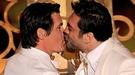 La censura en los Oscars 2011 ocultó el beso entre Javier Bardem y Josh Brolin