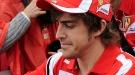 Fernando Alonso se da un baño de multitudes a su llegada a Australia