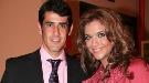 VÍctor Janeiro recibe un premio 'Al-Andalus' con Beatriz Trapote a su lado