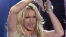 Vuelve la Britney Spears transgresora: besa a un bailarín en su concierto en Las Vegas