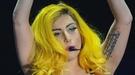 La espectacular caída de Lady Gaga durante un concierto en Montreal