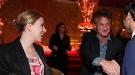 Scarlett Johansson luce una tripita que parece de embarazada junto a Sean Penn