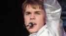 Justin Bieber vomita durante un concierto: sus fans rezan por su salud en Twitter
