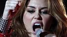 Miley Cyrus pasea su lado más roquero y atrevido por Caracas