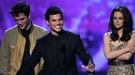 Kristen Stewart, Robert Pattinson y Taylor Lautner desvelarán un avance de 'Amanecer' en los MTV Movie Awards 2011