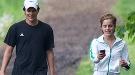 Emma Watson y su compañero Johnny Simmons podrían tener un romance