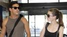 Mario Casas y María Valverde pillados en la estación durante sus vacaciones