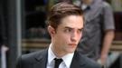Robert Pattinson se vuelve loco con su nuevo corte de pelo, ¿le gustará a Kristen Stewart?