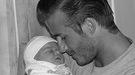 Los Beckham publican en la redes sociales las primeras fotos de Harper Seven