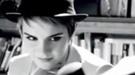 Emma Watson saca su lado más sensual en el anuncio de Lancome en París